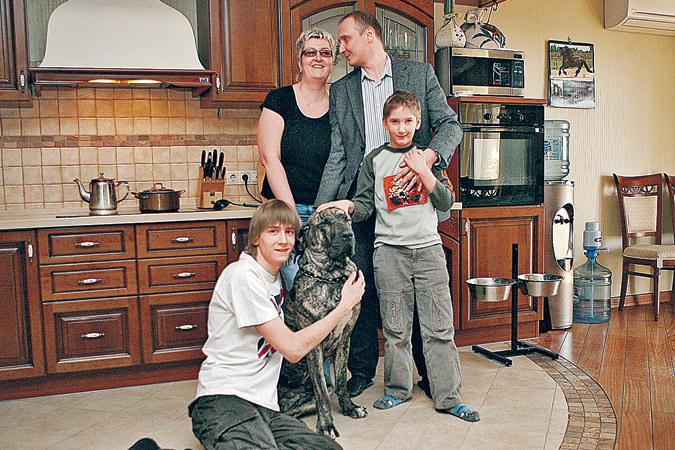 Татьяна Устинова с семьей